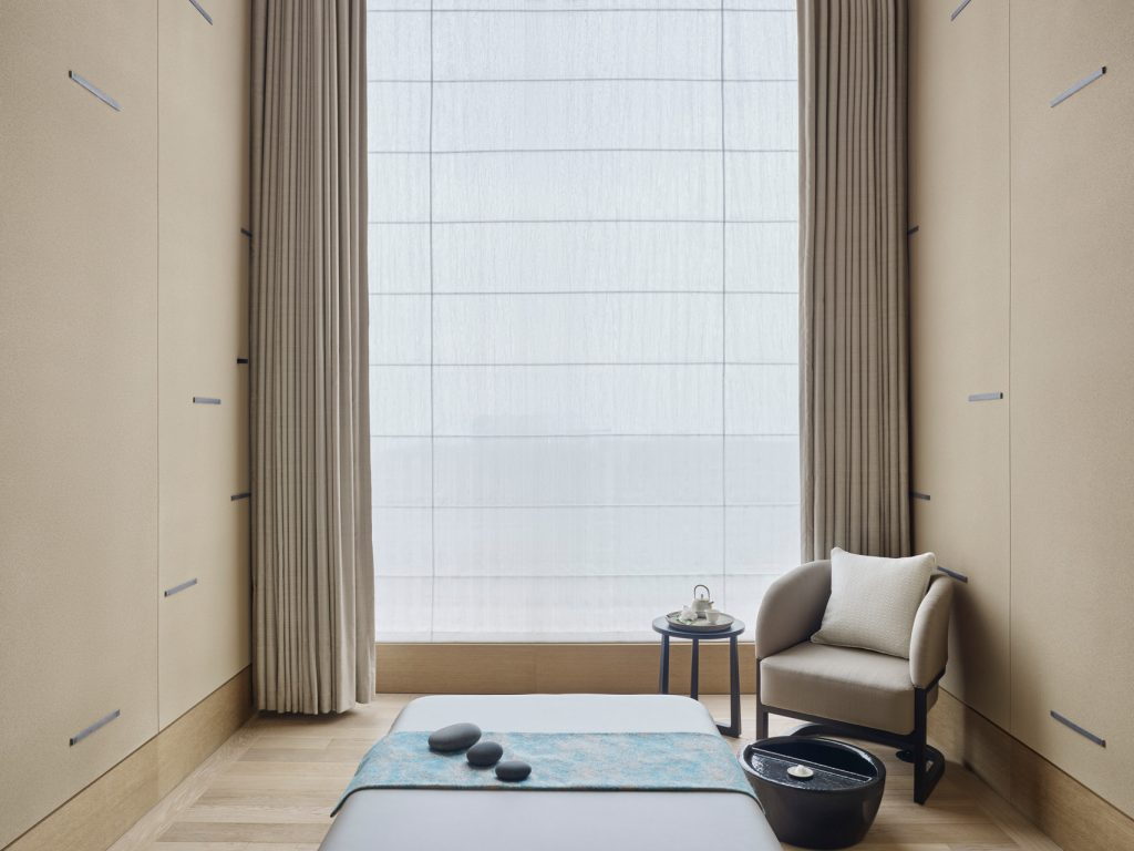 An aisan massage bed in the spa at Four Seasons Tokyo at Otemachi